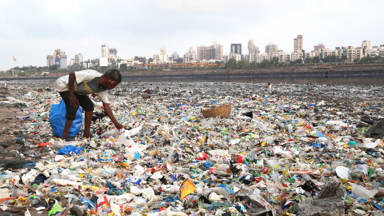 In India?s Largest City, A Ban on Plastics Faces Big Obstacles