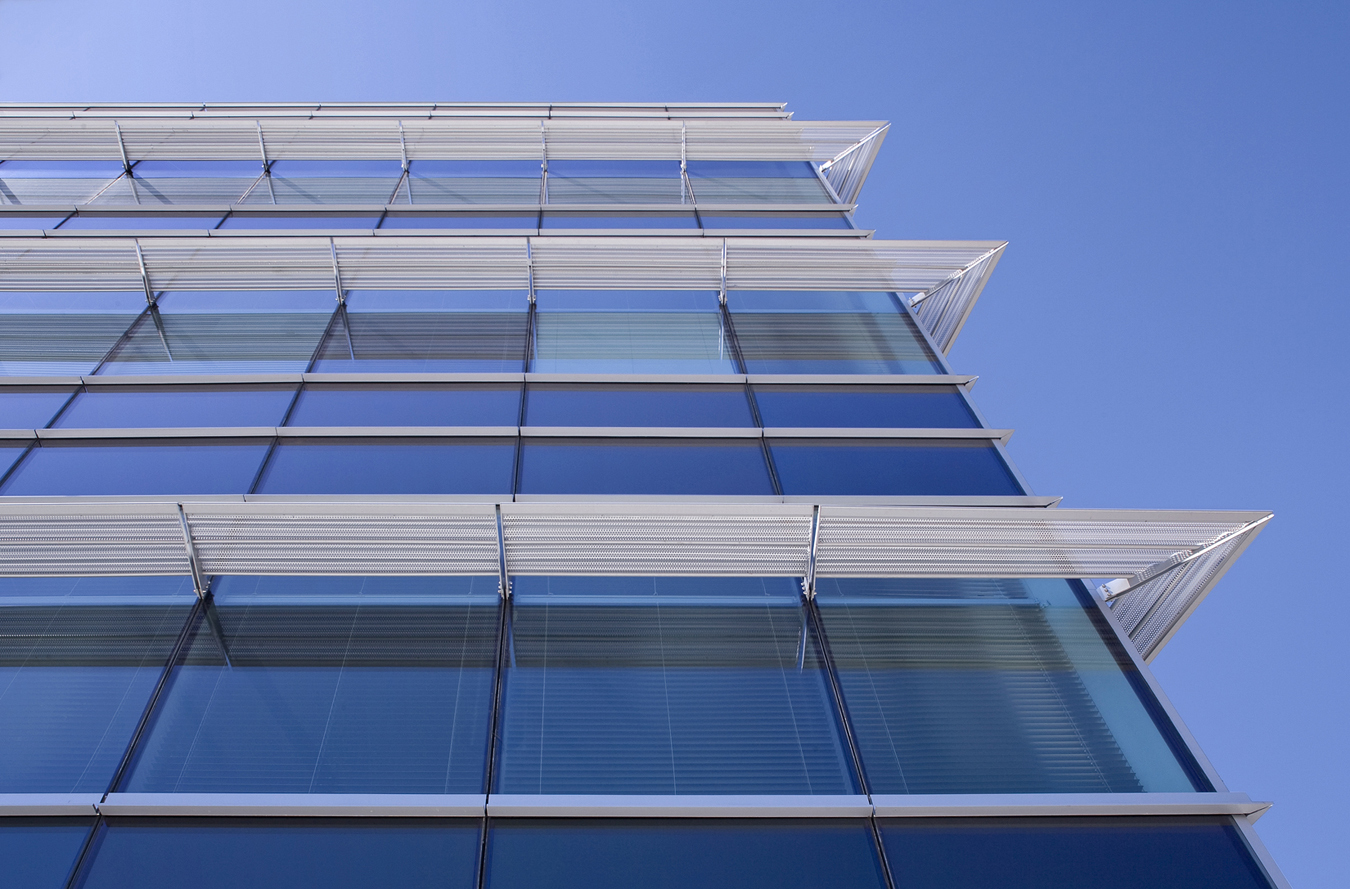 Why don t green buildings live up to hype on energy for Super energy efficient windows
