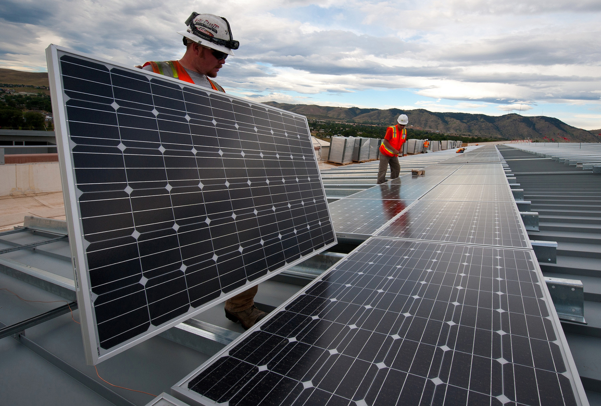 Utilities Grapple with Rooftop Solar and the New Energy Landscape ...