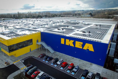 An Ikea store in Renton, Washington, equipped with solar panels.