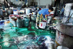 Pollution at textile dyeing factory
