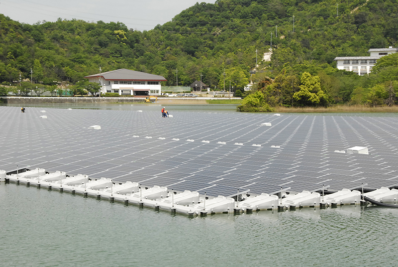Floating Solar A Win Win For Drought Stricken Lakes In U